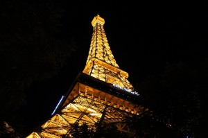 eiffel tower vegas