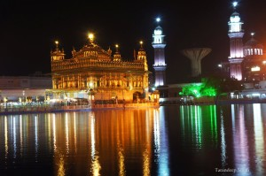 golden temple at night lights