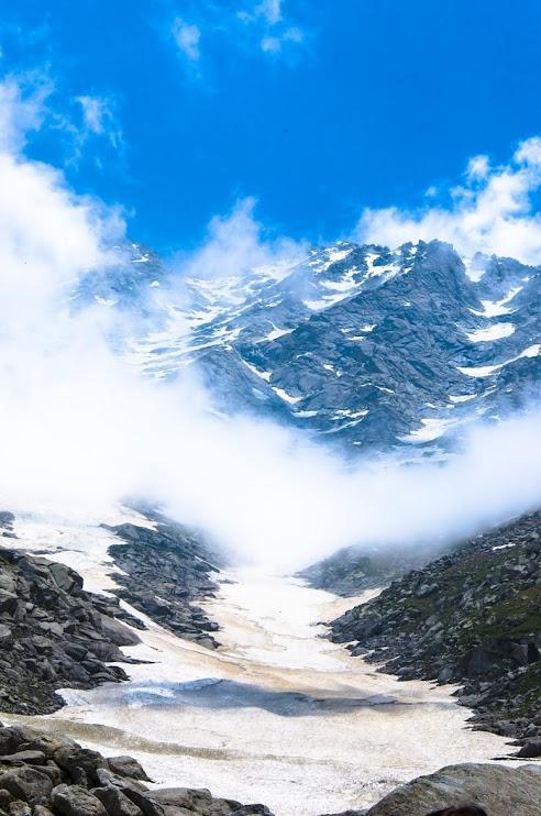 Trekking: Mcleod Ganj, Triund, Lahesh Cave, Indrahar Pass