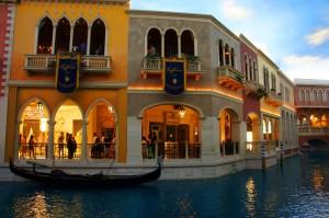 venecian boats indoors vegas